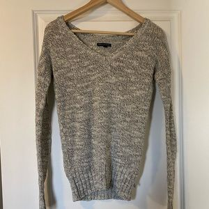 3 / $30! ♡ American Eagle Grey knit sweater